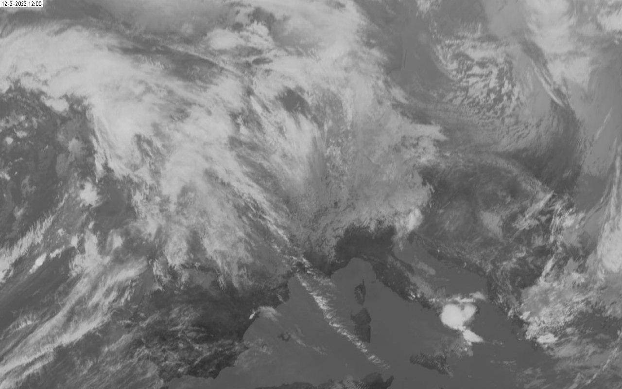 weerstation grou ir satelliet opname msg3 1200UTC