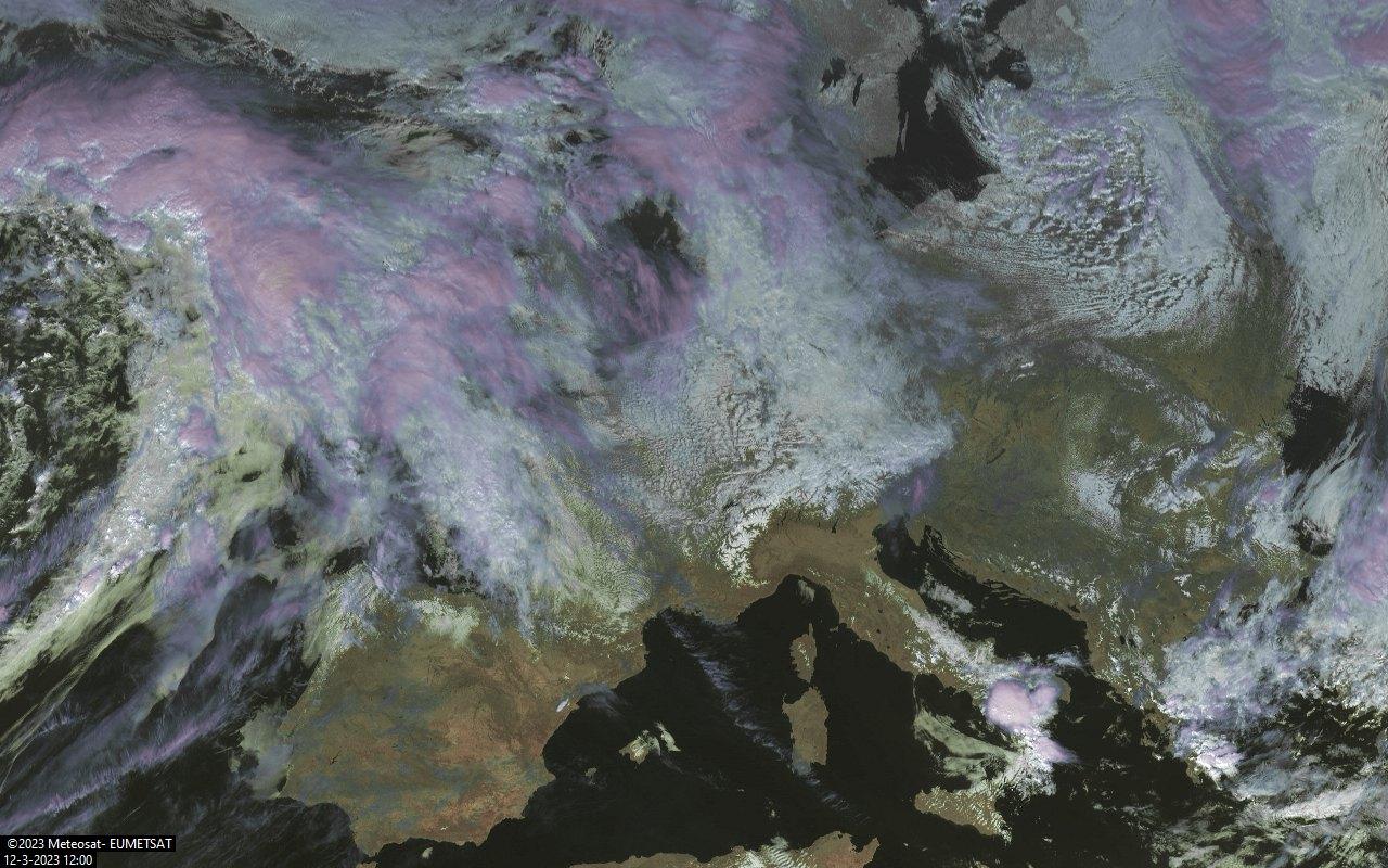 eumetsat satelliet opname 12:00UTC
